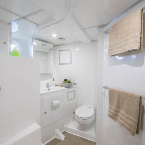big clean bathroom aboard kimberley pearl